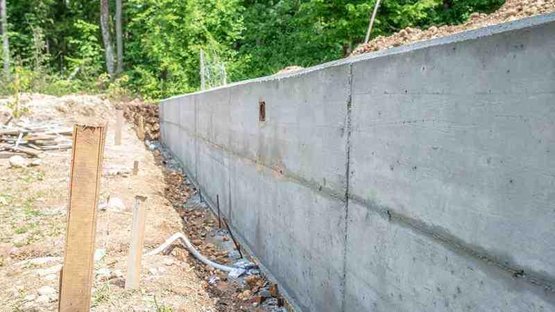 Quelle est la hauteur réglementaire d'un mur de clôture ?